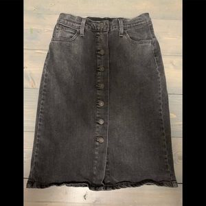 Levi's black denim button down skirt